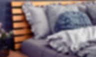 szara-posciel-z-falbanka-2-1024x768.jpg