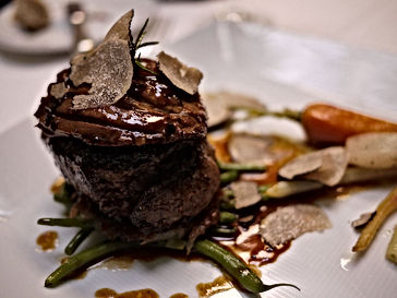 Tournedos_Rossini_with_Truffle_Madeira_S