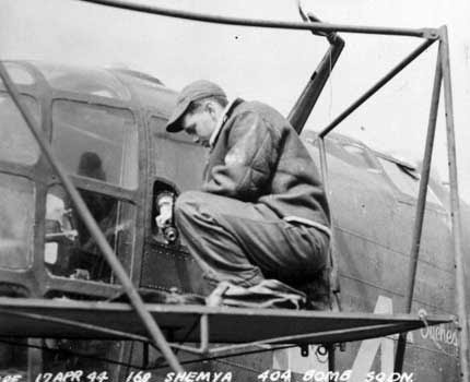 "42-11924 ""Duchess"" (34) April 1944"