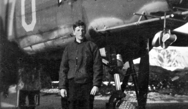 B-25 The Brat (70)