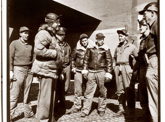 404th-Carl-Wagners-crew.jpg