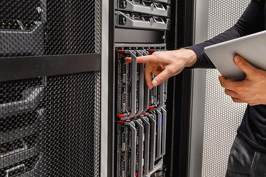 Server-Repair-800x533.jpg
