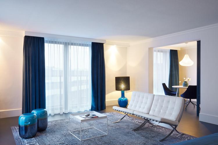 Executive Suite Bleu1.jpg