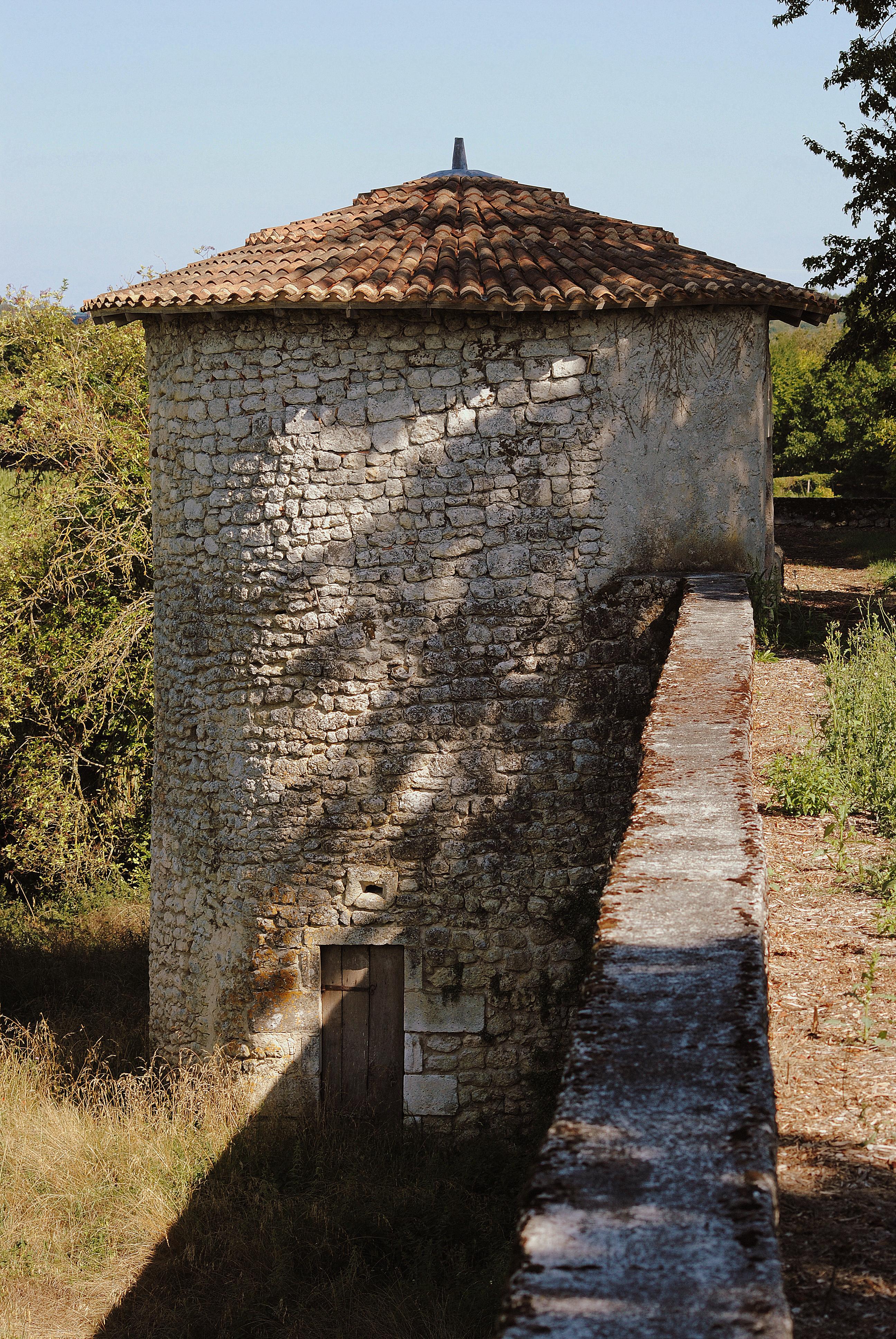 Tour de fuye et rempart au Château
