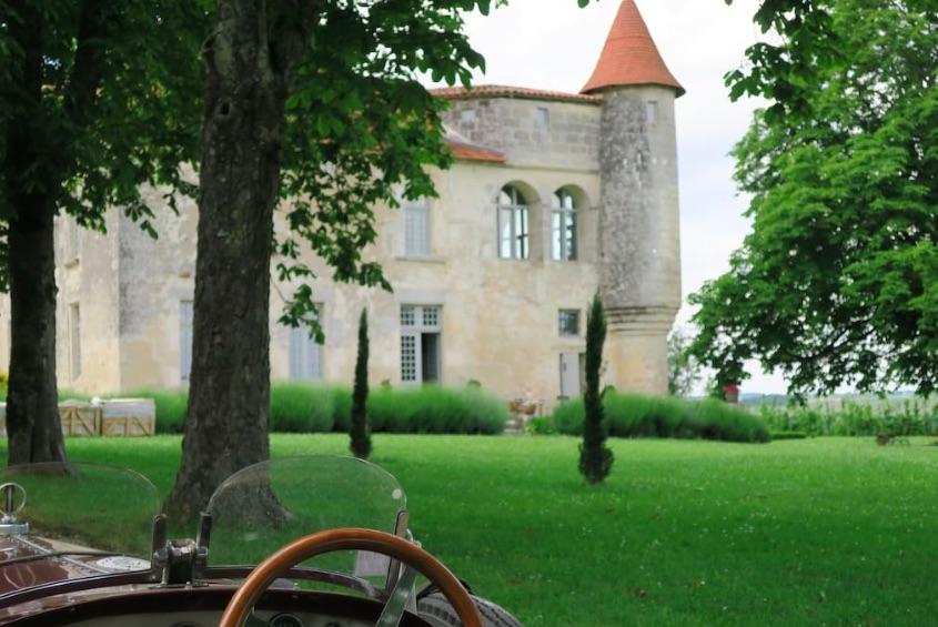 façade Château de Charmant