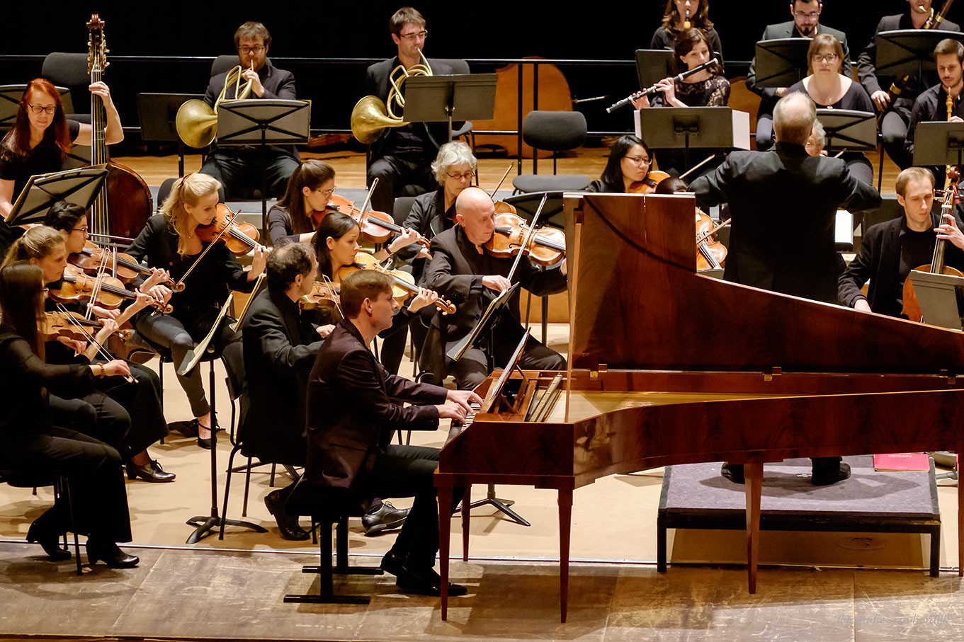 Orchestra of the Eighteenth Century, Koncon orchestra and Kristian Bezuidenhout. Mozart double tour. Photo: Jan Hordijk