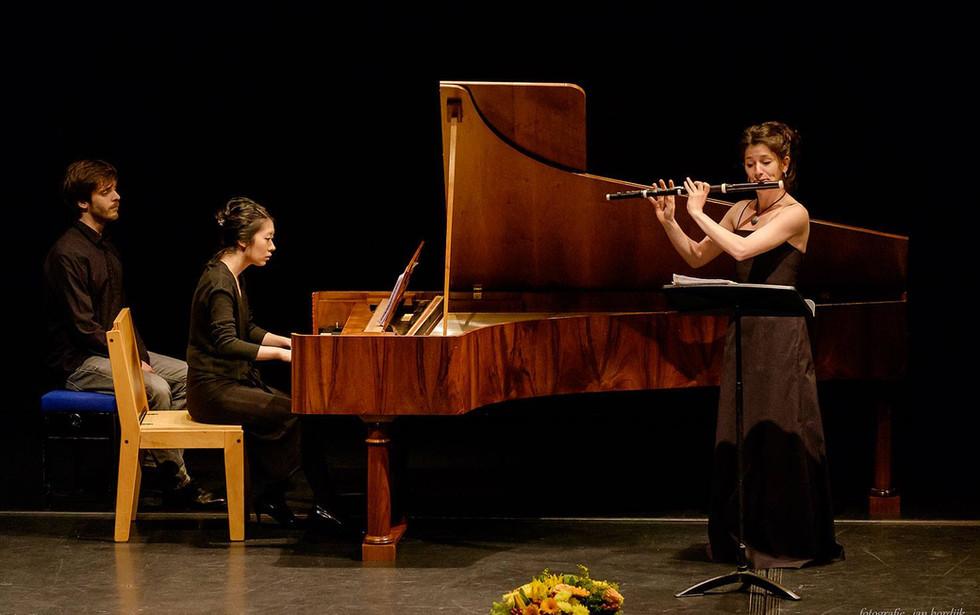 Duo with Mariko Goto. Photo Jan Hordijk