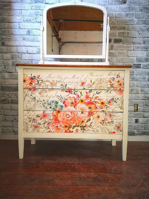 *******SOLD*****Canadiana made antiques dresser