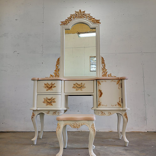 ***SOLD***Gorgeous vanity