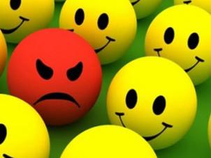 """Las críticas: ¿Cómo identificar y tratar a las personas """"criticonas""""?"""