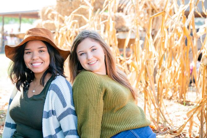 senior photos nashville tennessee senior posing
