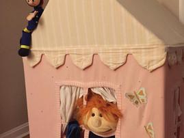 Kindergottesdienst - das Hörspiel zu Pfingsten mit Monika und Sofie und einem Feuerwehrmann
