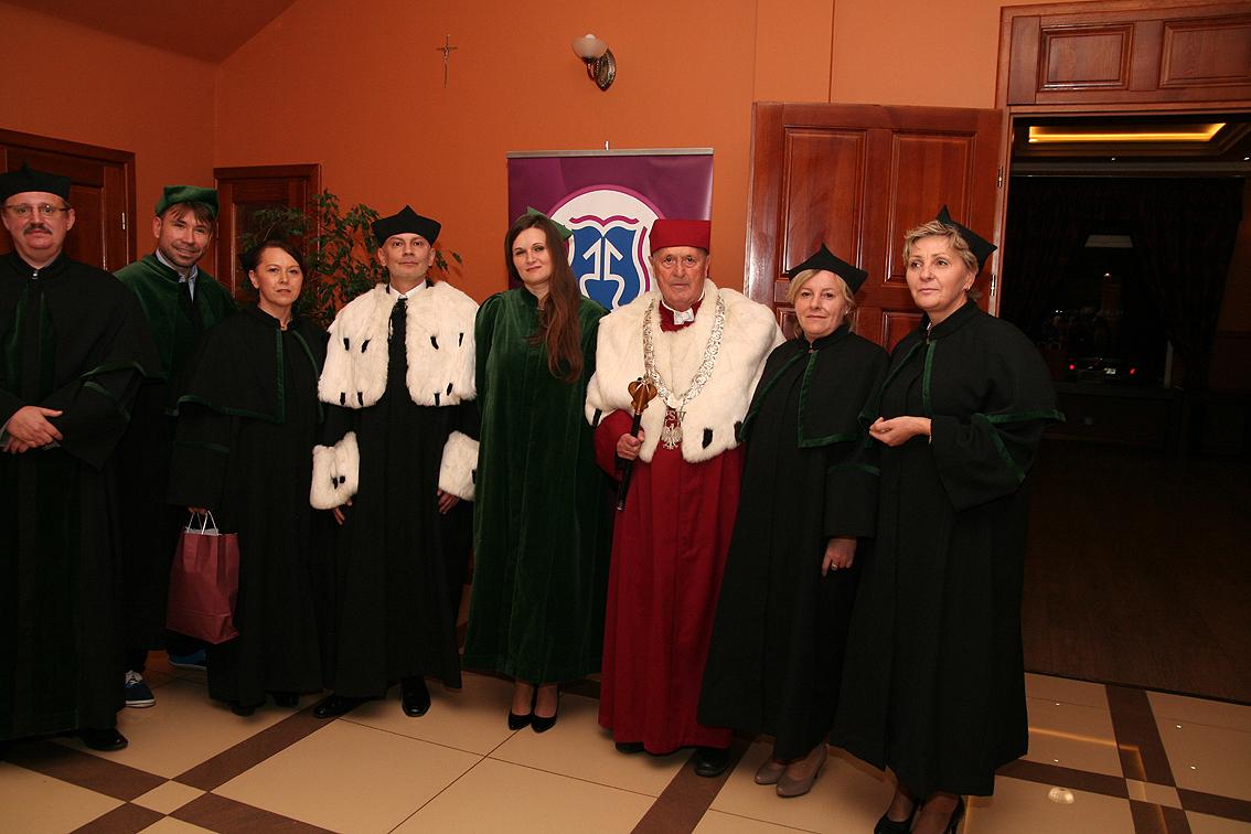 Członkowie Senatu WSUZ