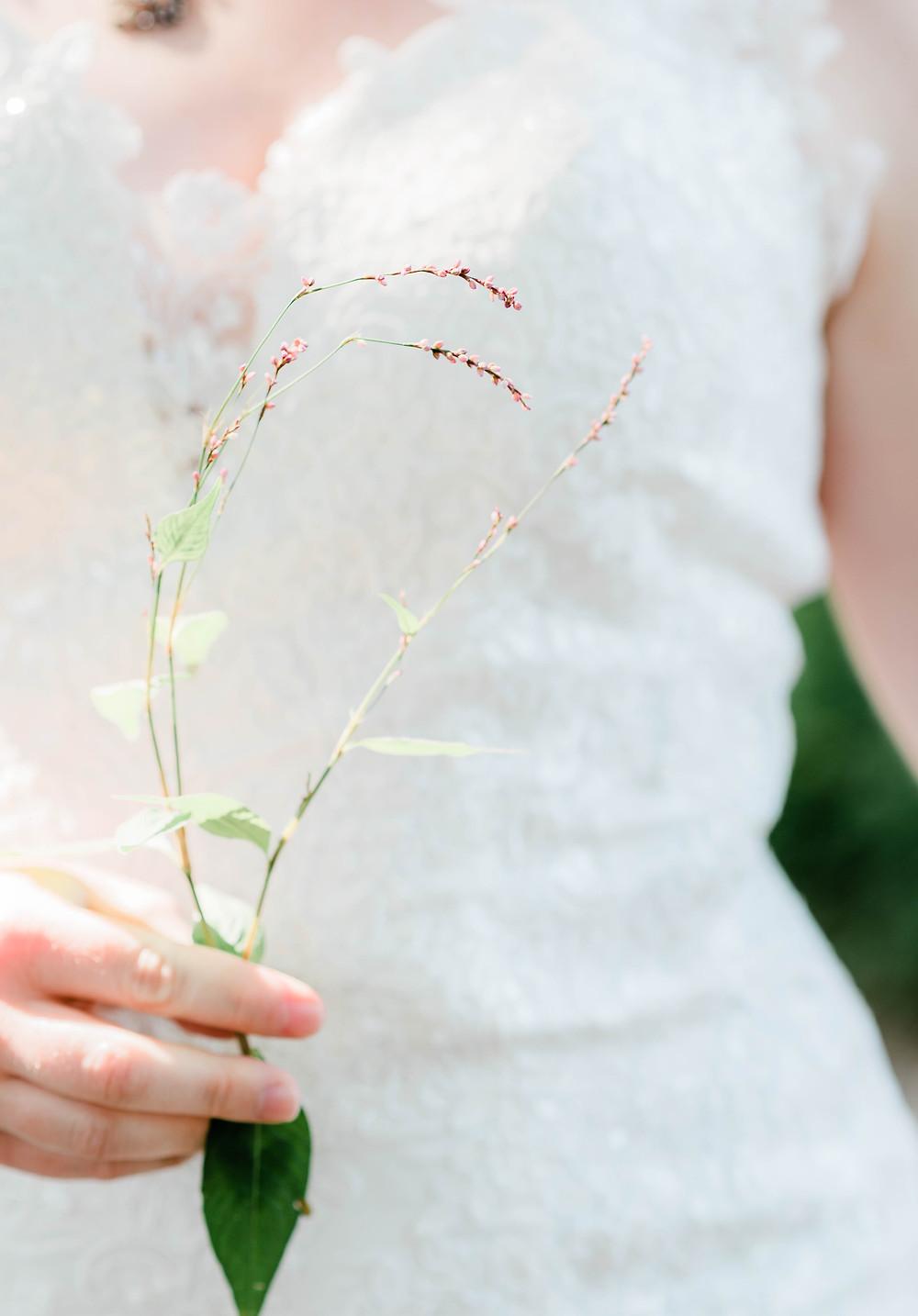 Simple bridal wedding bouquet