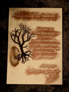 Handgravierte Holzkarten