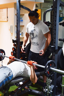 In the gym with fellow personal trainer, Alex Del Cisne