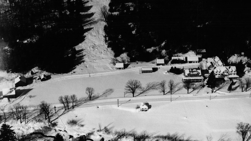 Jackson - Iron Mountain House and rope tow area