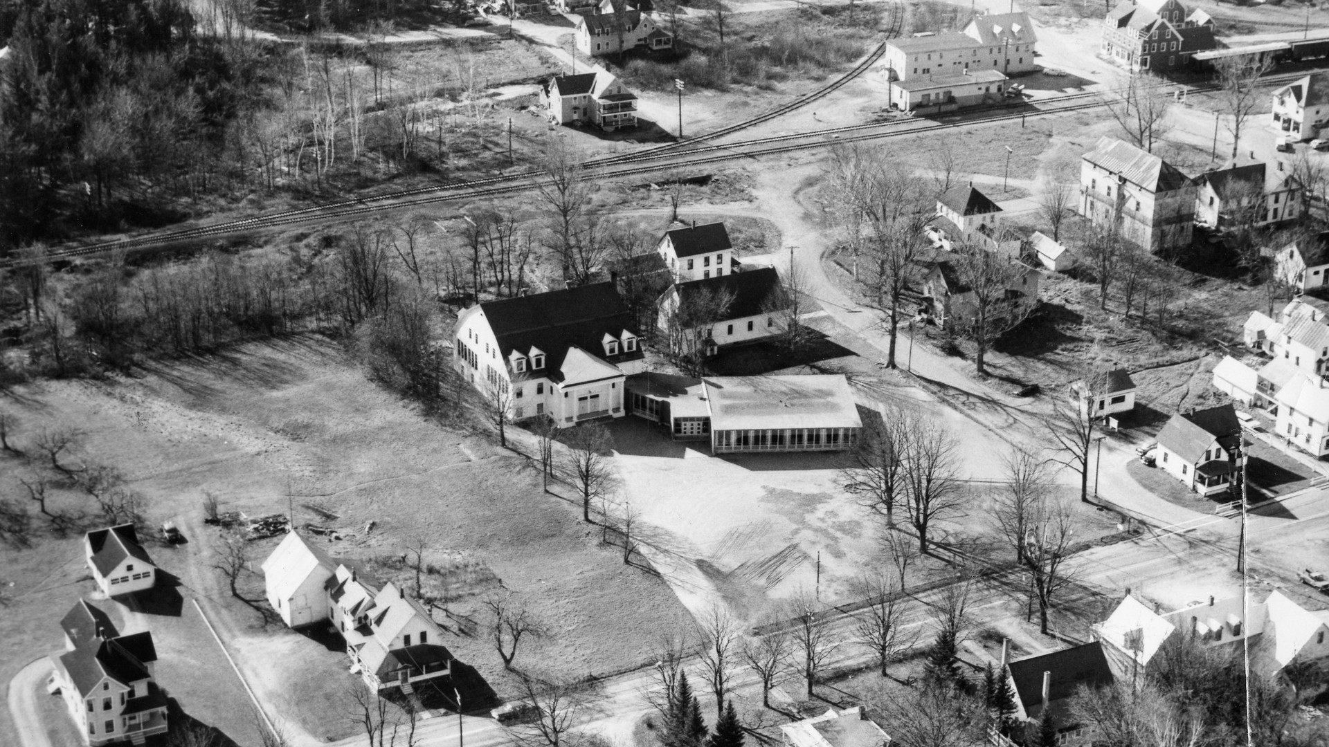 Village area - 1958 (about) Perkins House, school, church