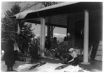 bellevueporch1940.jpg