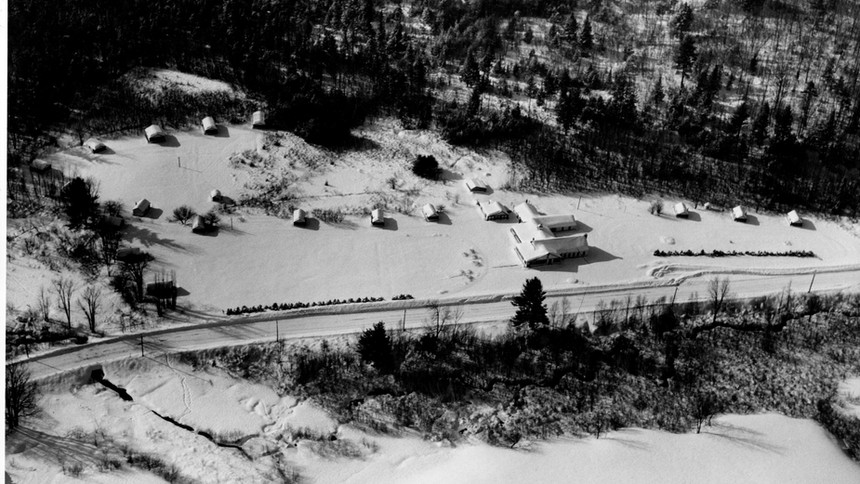 Intervale -  Castner's Camps Area. Current Dunkin Donuts is to the left of the main building, which is now a ski shop