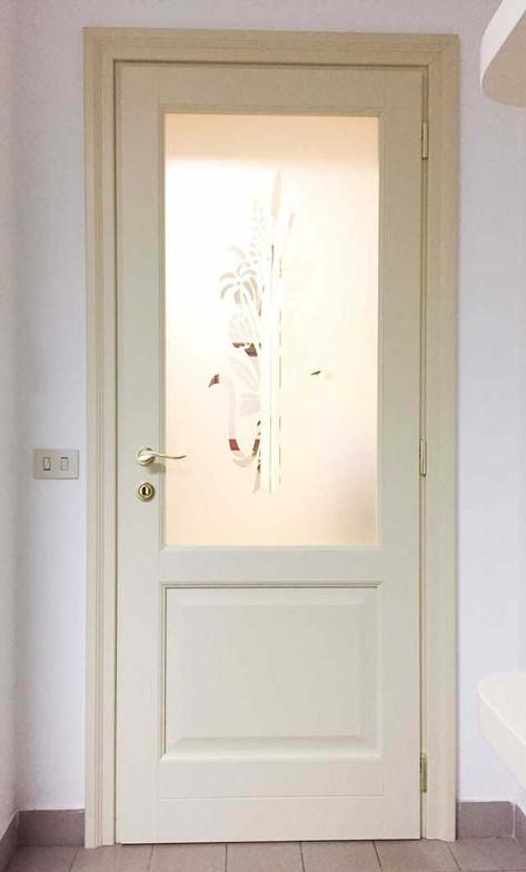 porta legno laccata con fodera e vetro