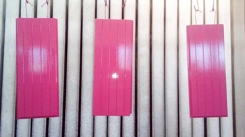 fase verniciatura ante legno rosa