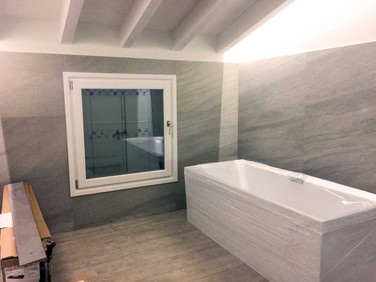 finestra bagno legno laccata