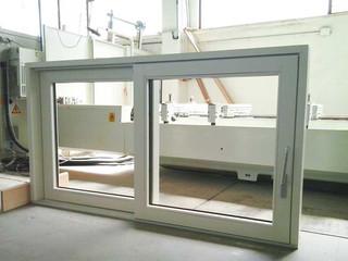 finestrone scorrevole due ante legno laccata