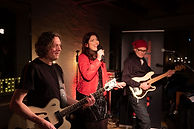 NANÉE in Konzert - mit Band Jörg Mielack (git) und Stefan Bornhöft (Bass, dr)