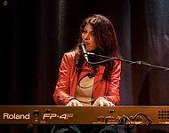 NANÉE in Konzert - Interaktion am Piano