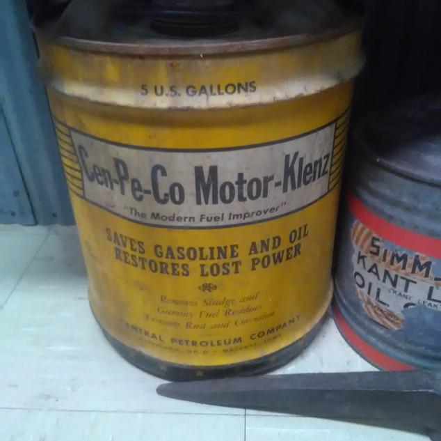 Cen-Pe-Co Motor Oil