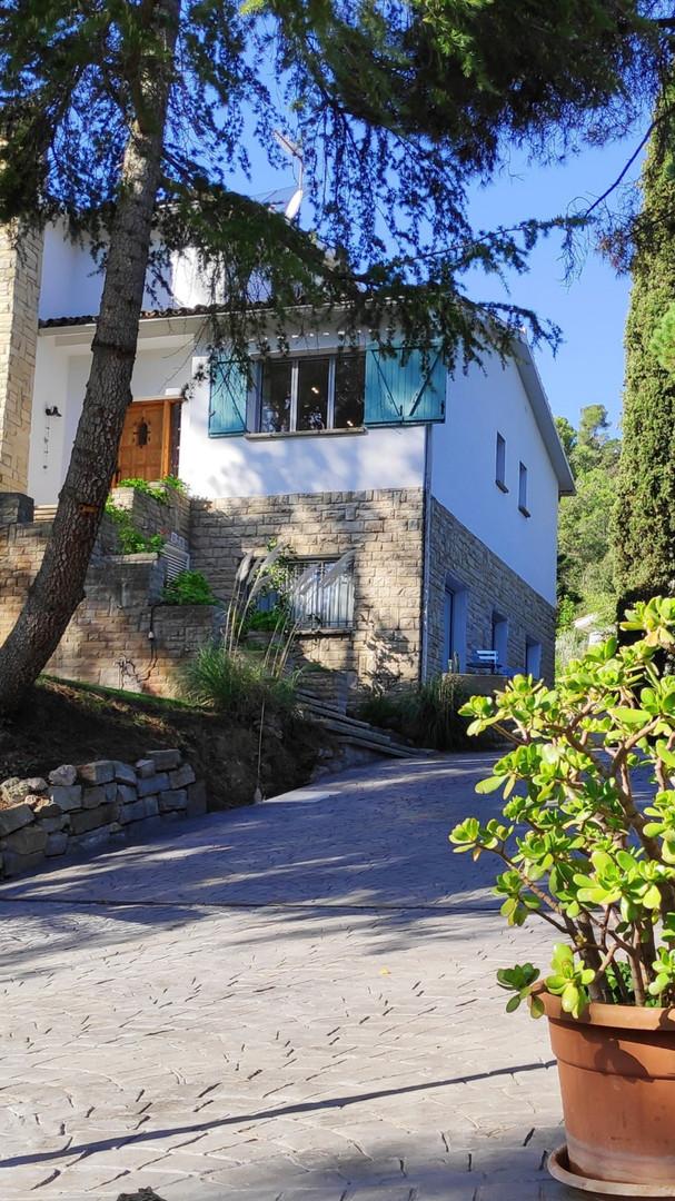 Front/parking Villa Naranja
