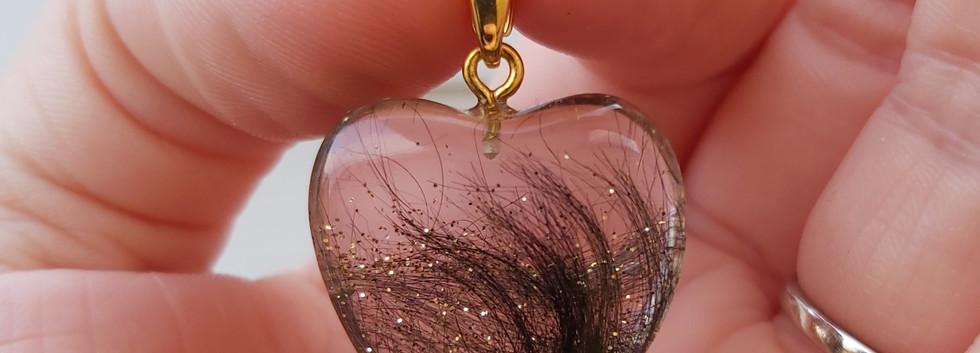 Hjertevedhæng med guld