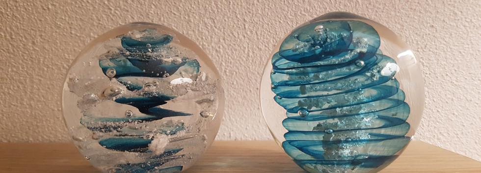 Glaskugler med aske, Aqualeicht