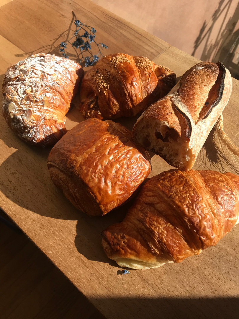 Fresh pastries & breads