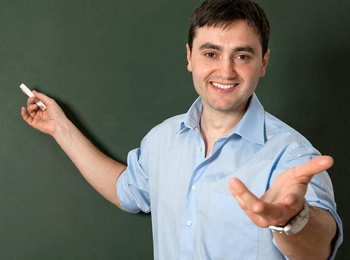 Profesor ante PIZARRA (mejor DEFINICION)