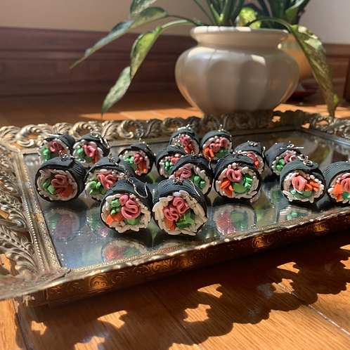 sushi rolls *made to order*