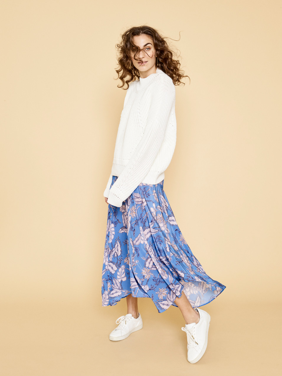 127400 Liz Knit - 125790 Elba Vita Skirt