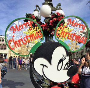 Disney Christmas on Mainstreet