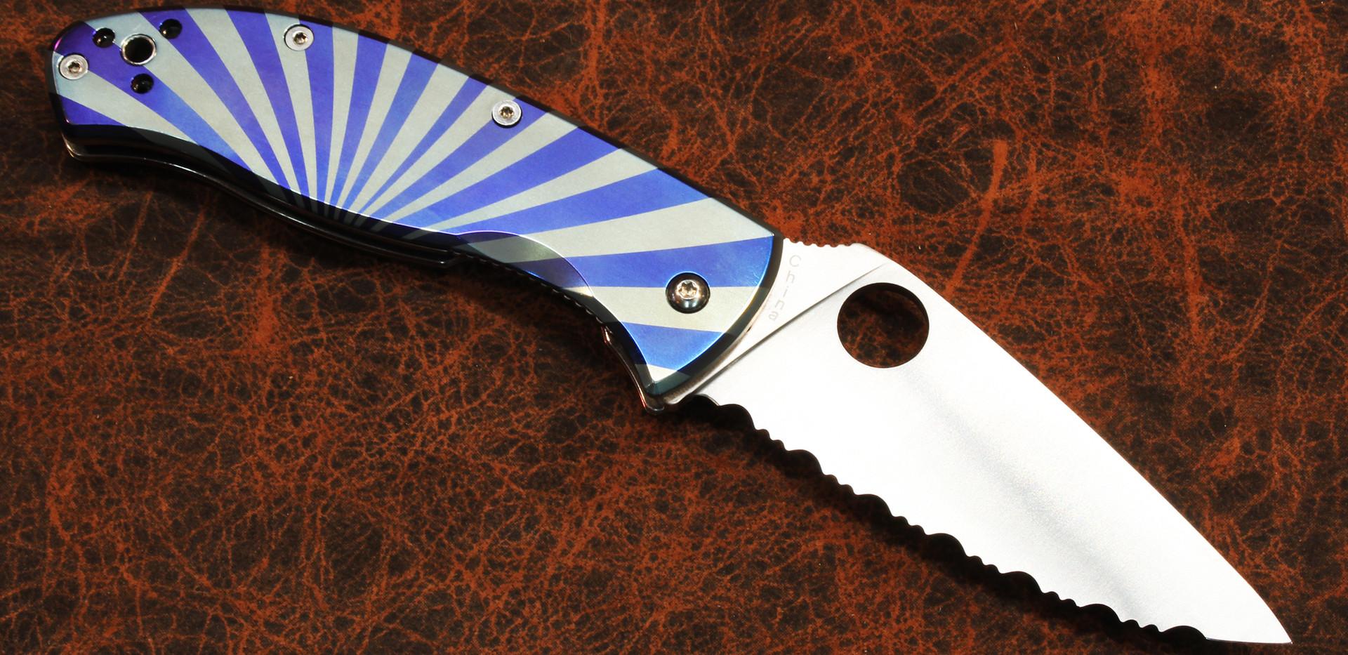 Spyderco Tenacious with Starburst 2 Pattern