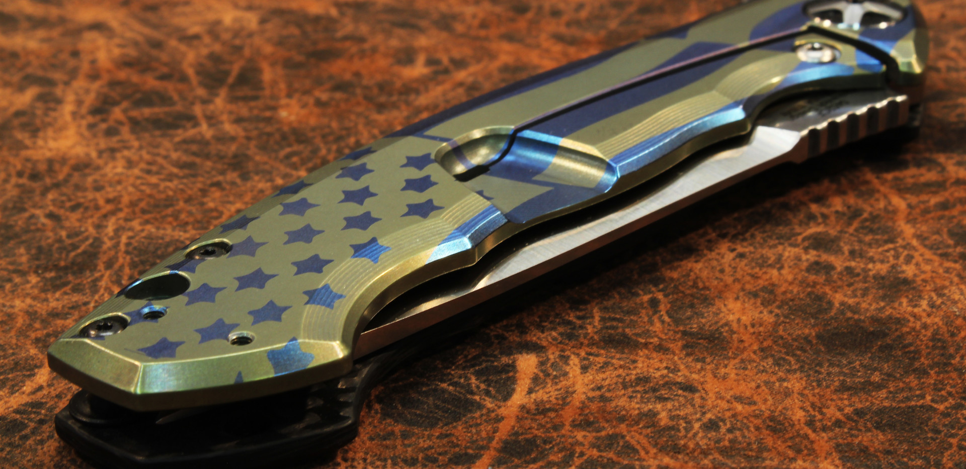 ZT Knife With Flag Pattern 3