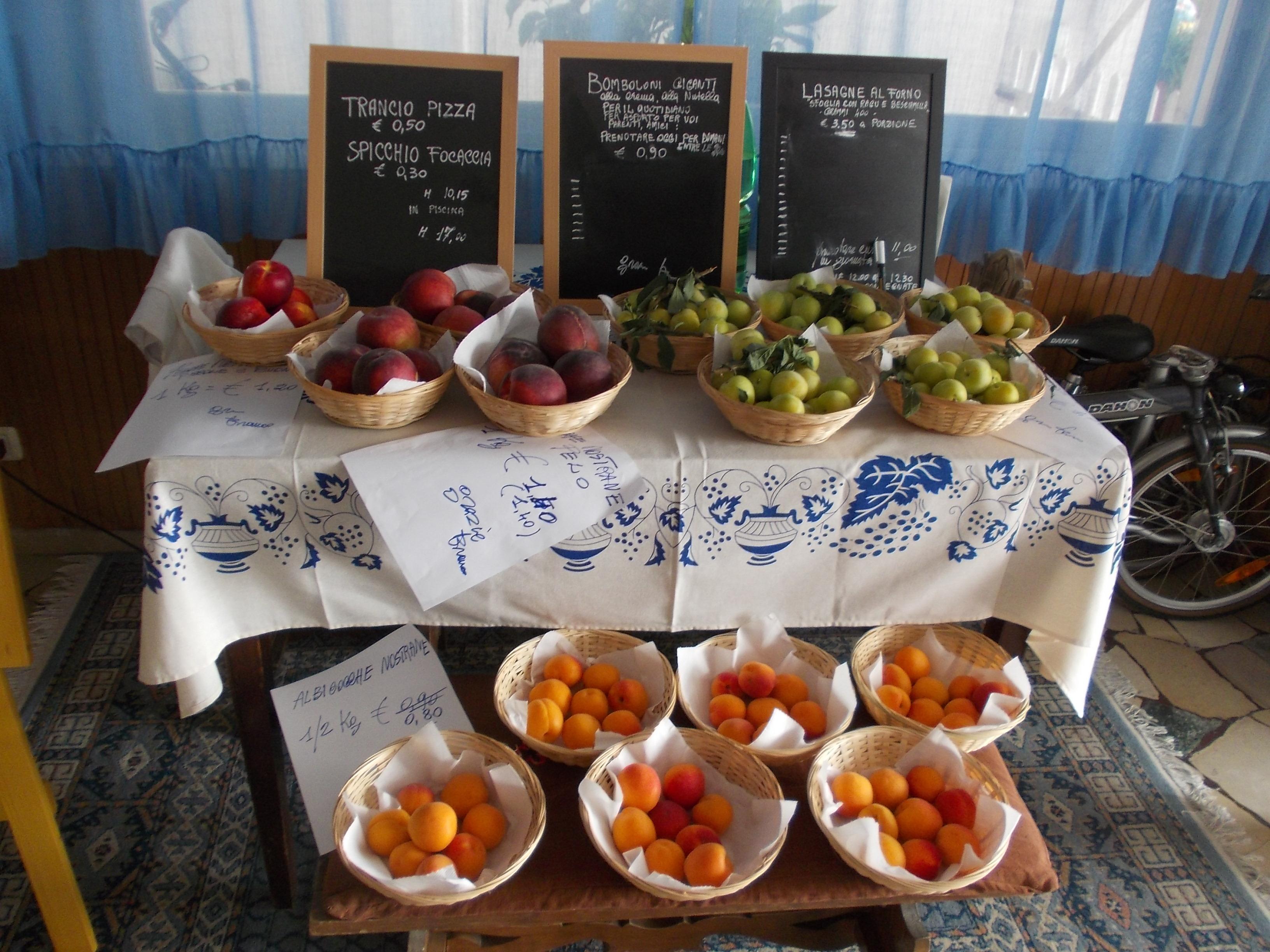 frutta a prezzi speciali al marinella!