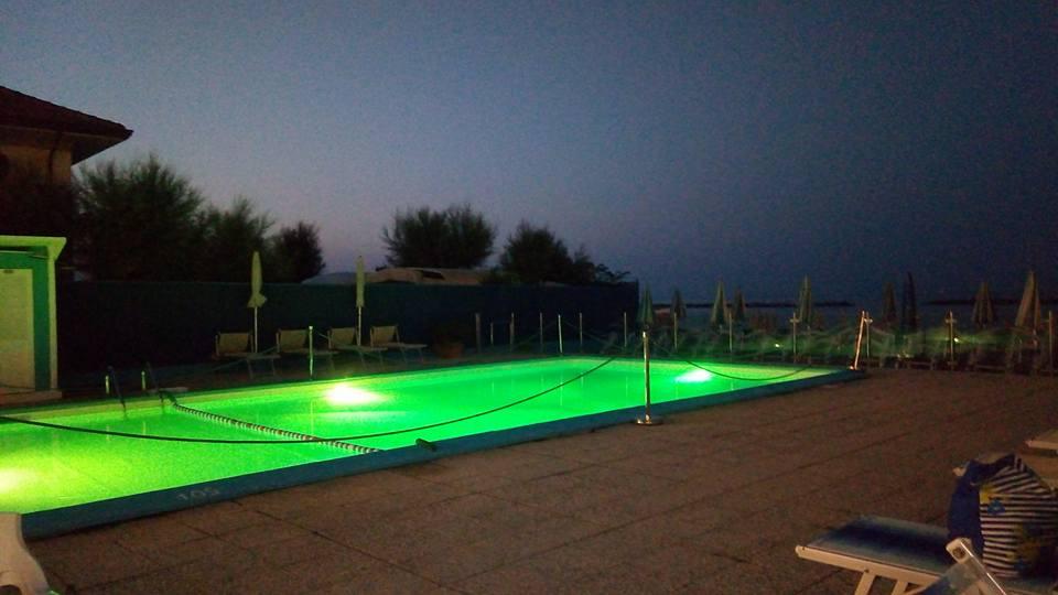 serate in piscina