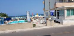 direttamente sul mare d'Igea marina