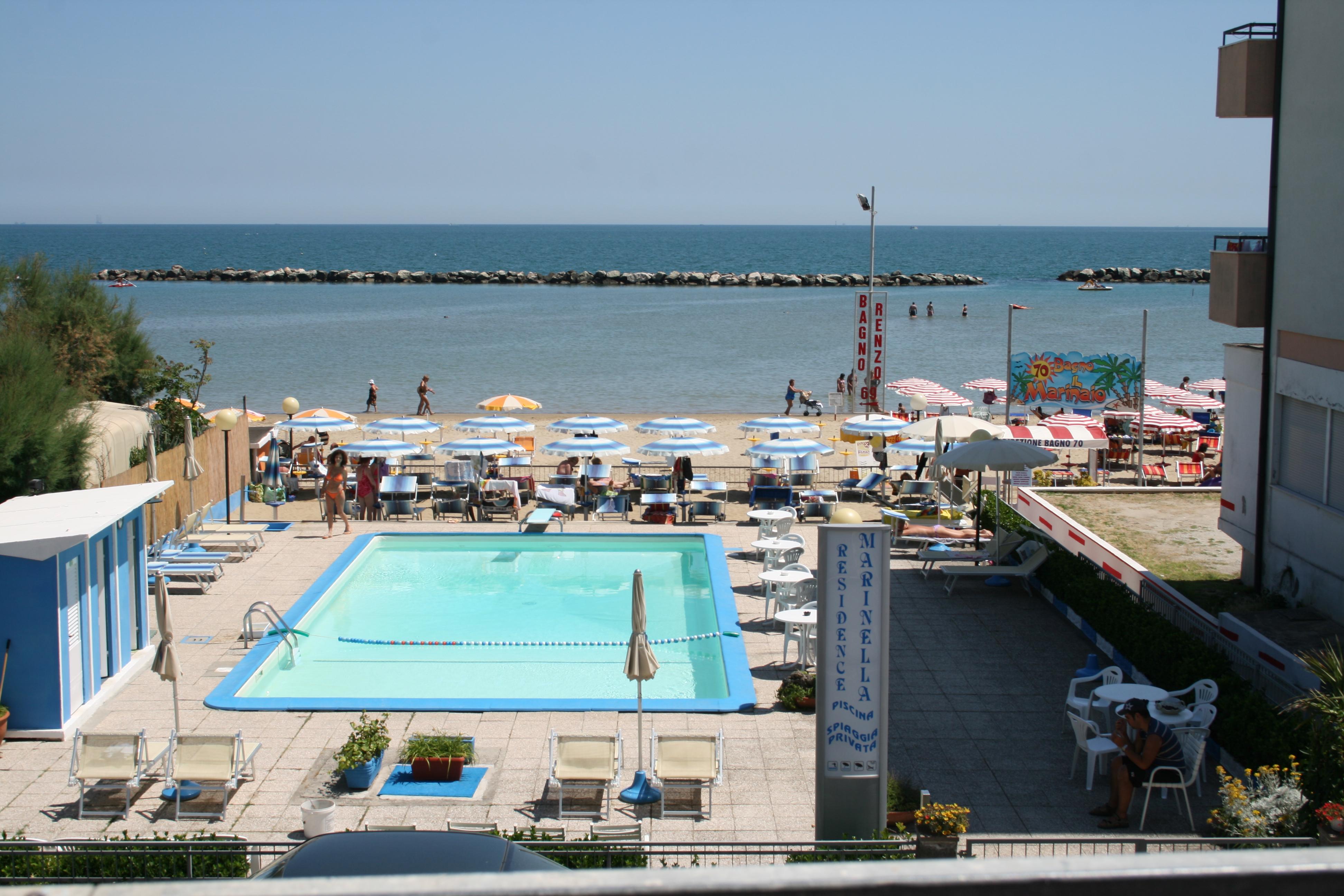 piscina sul mare