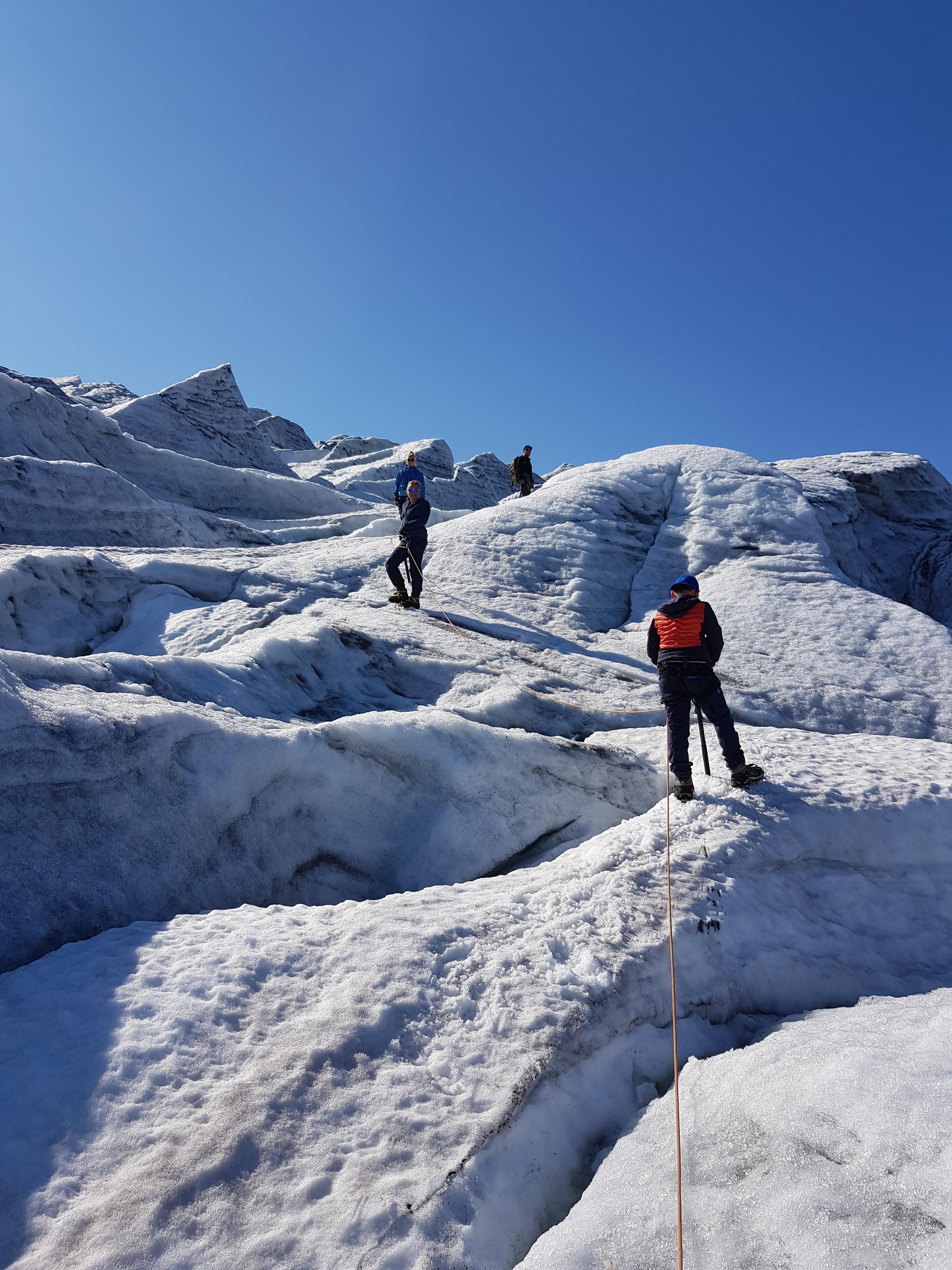 Short blue ice hike (15+)