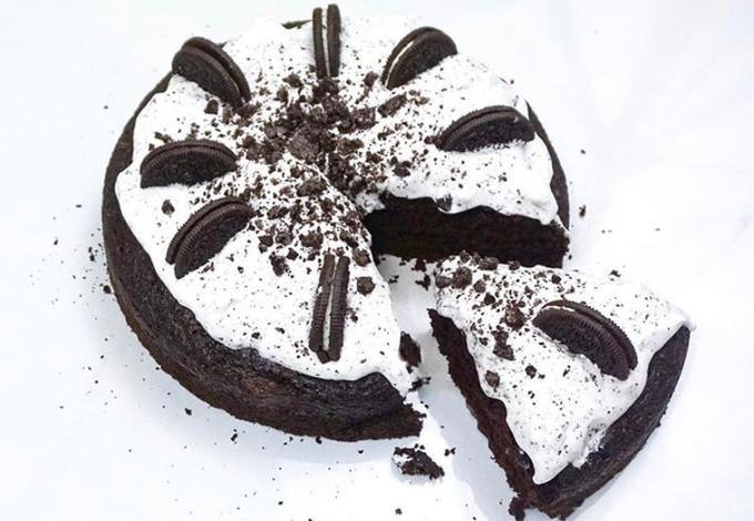 Cookies & Cream Chocolate Cake