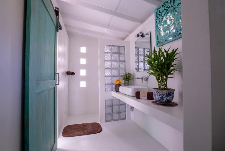 Your Dream Bungalow - Ensuite shower room.