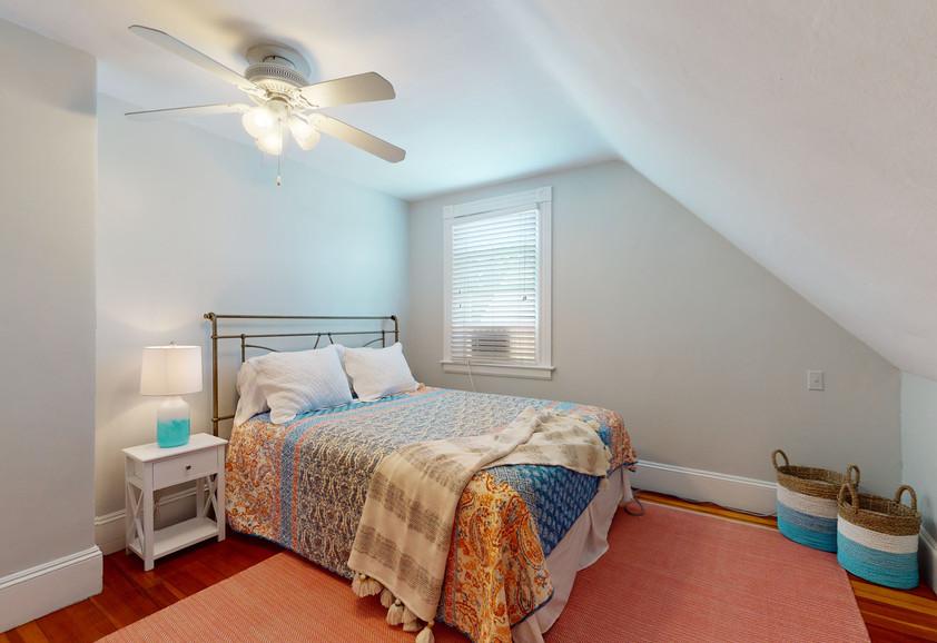 3RD FLOOR QUEEN BEDROOM #4
