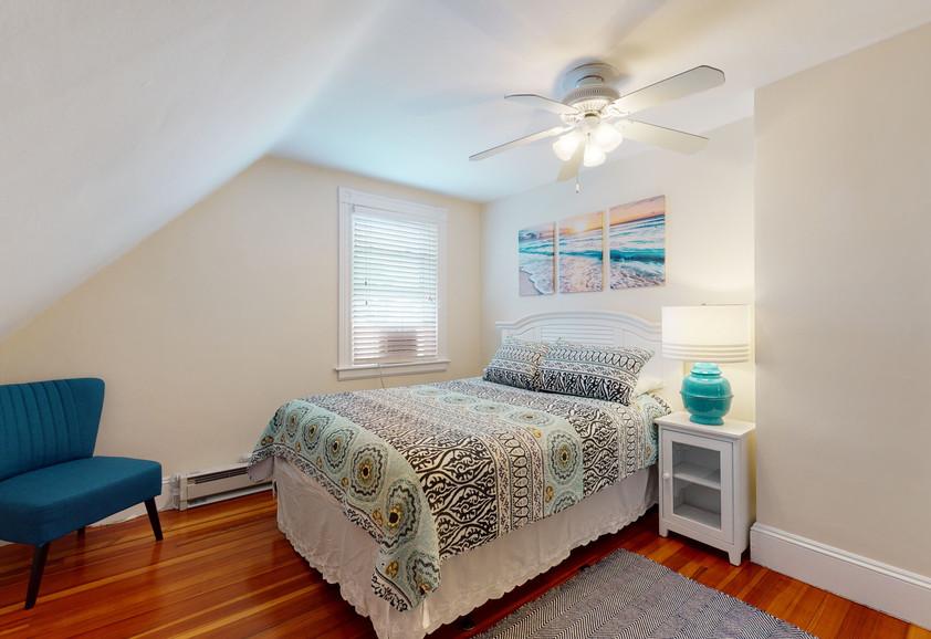 3RD FLOOR QUEEN BEDROOM #1_2